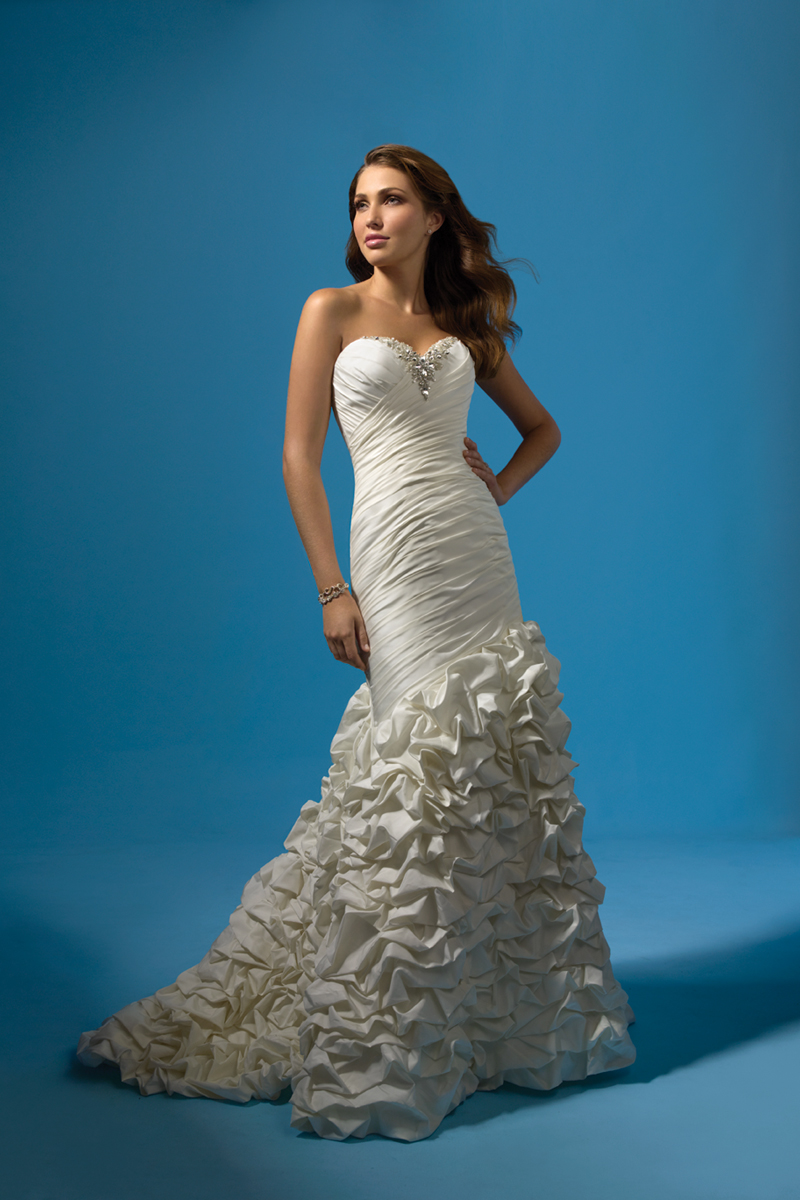 Wedding Dresses, Sweetheart Wedding Dresses, Fashion, Sweetheart, Beading, Fit and flare, Alfred angelo, Taffeta, Ruching, ruffle skirt, Beaded Wedding Dresses, taffeta wedding dresses
