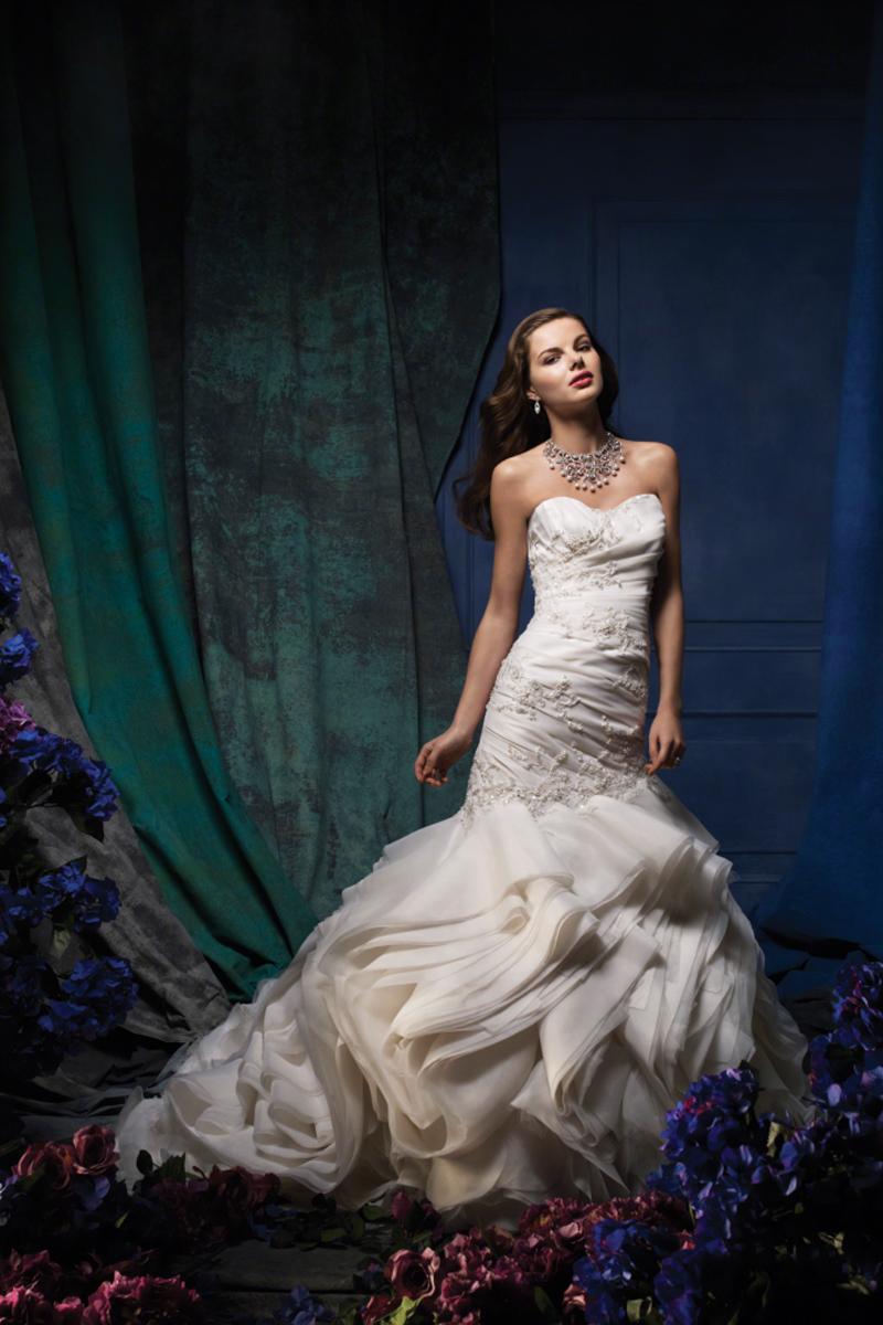 Wedding Dresses, Fashion, Fit and flare, Organza, Alfred angelo, chapel train, ruffled skirt, organza wedding dresses