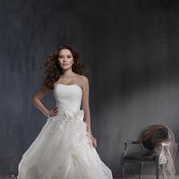 Wedding Dresses, Ball Gown Wedding Dresses, Fashion, Strapless, Strapless Wedding Dresses, Alfred angelo, Ball gown, pin-up skirt, 3D flowers