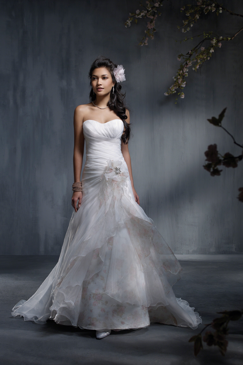 Wedding Dresses, Fashion, Strapless, Strapless Wedding Dresses, Organza, Alfred angelo, 3D flower, organza wedding dresses