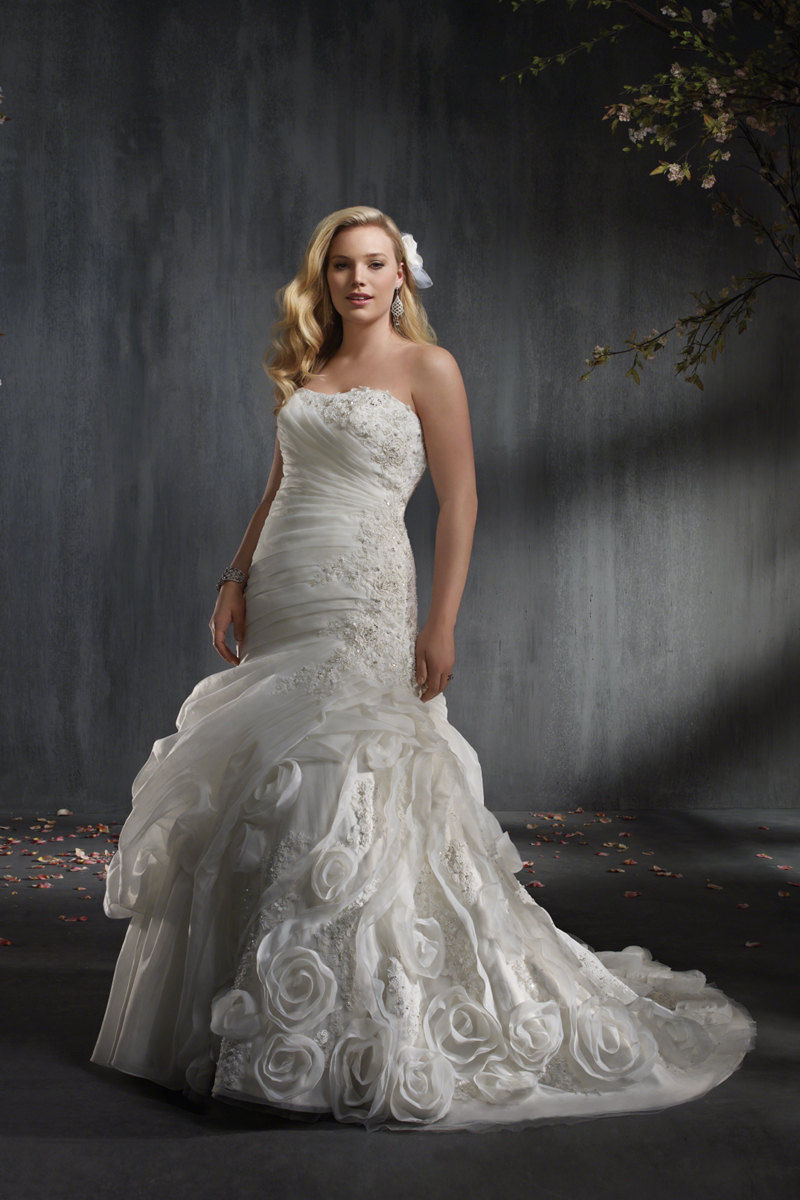 Wedding Dresses, Fashion, Flower, Strapless, Strapless Wedding Dresses, Fit and flare, Organza, Alfred angelo, Ruching, organza wedding dresses