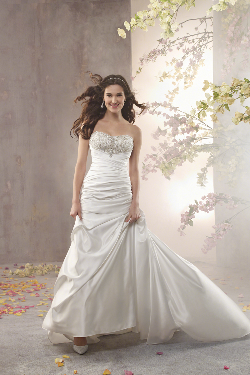 Wedding Dresses, Fashion, Strapless, Strapless Wedding Dresses, Satin, Alfred angelo, Ruching, Aline, satin wedding dresses