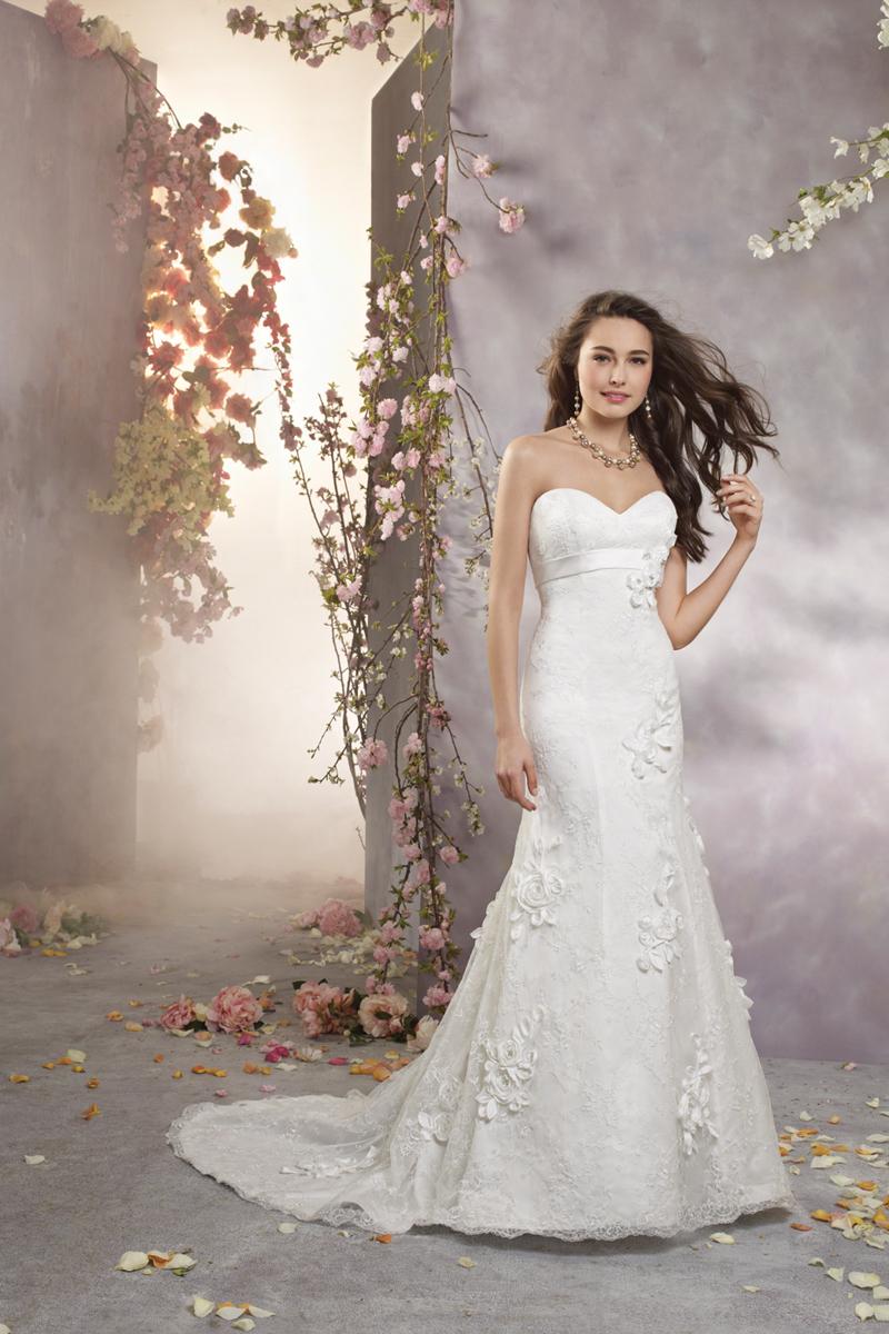 Wedding Dresses, Lace Wedding Dresses, Fashion, Lace, Strapless, Strapless Wedding Dresses, Alfred angelo, 3D flower
