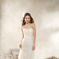 Wedding Dresses, One-Shoulder Wedding Dresses, Lace Wedding Dresses, Fashion, Lace, Alfred angelo, One-shoulder, illusion strap, soft net overlay