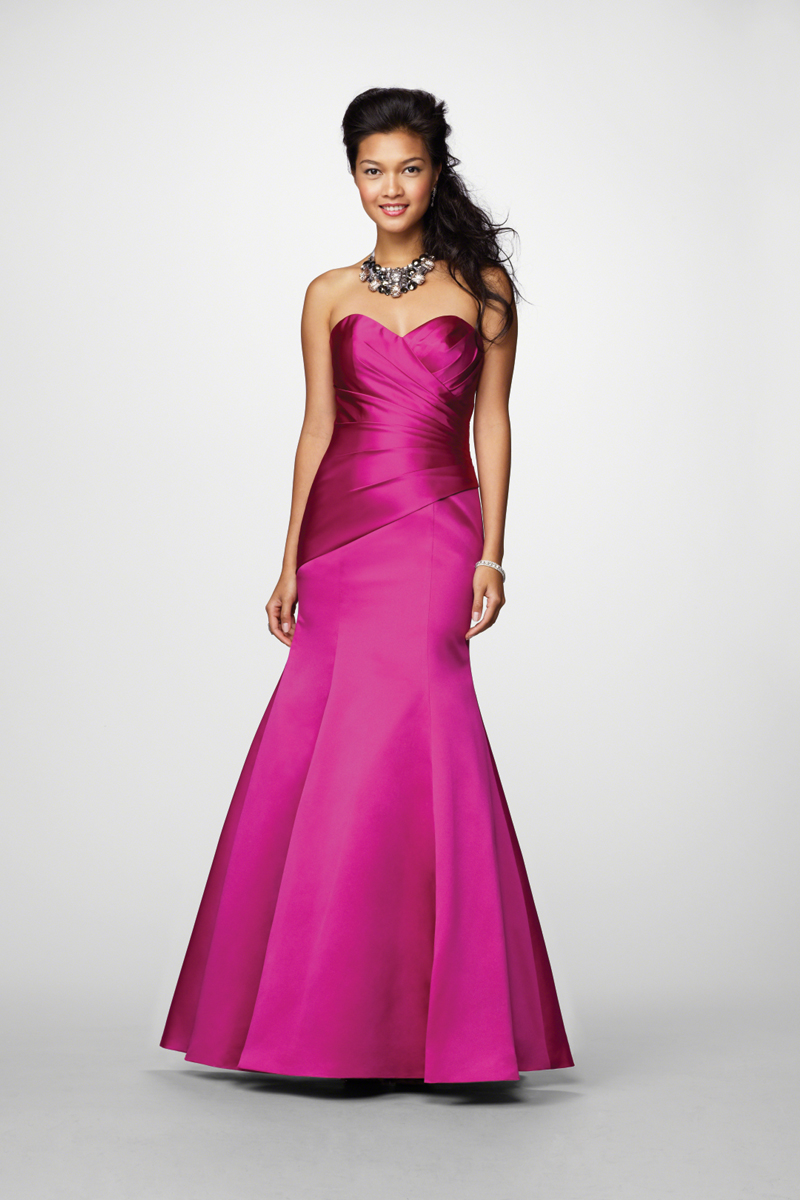 Bridesmaids, Bridesmaids Dresses, Fashion, Strapless, Strapless Wedding Dresses, Fit and flare, Fuchsia, Alfred angelo, Ruching
