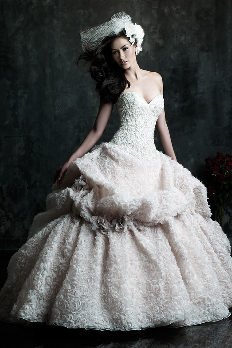 Wedding Dresses, Sweetheart Wedding Dresses, Ball Gown Wedding Dresses, Fashion, Sweetheart, Strapless, Strapless Wedding Dresses, Allure Bridals, Embroidery, Swarovski crystals, Organza, Ball gown, organza wedding dresses