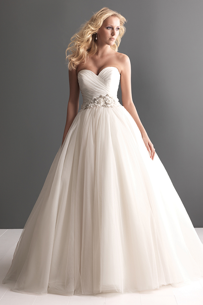 Wedding Dresses, Sweetheart Wedding Dresses, Ball Gown Wedding Dresses, Fashion, Sweetheart, Beading, Allure Bridals, Tulle, Ruching, Ball gown, Beaded Wedding Dresses, tulle wedding dresses