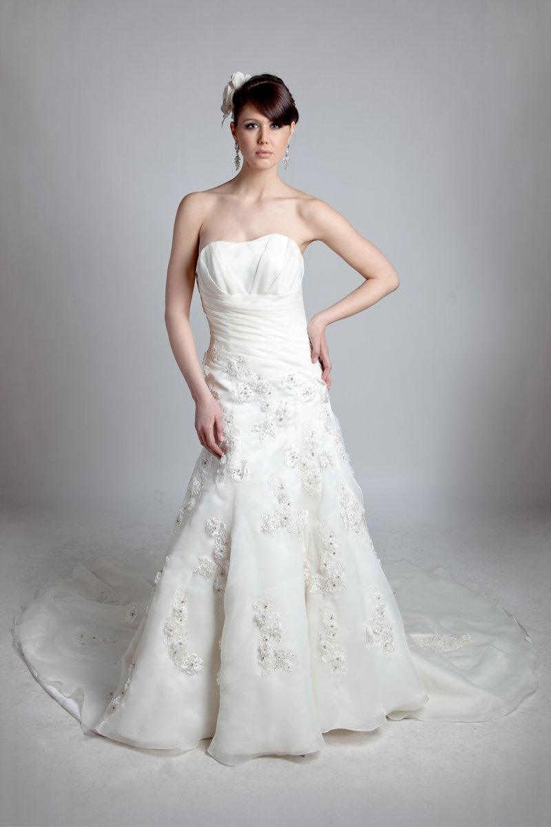 Wedding Dresses, Sweetheart Wedding Dresses, A-line Wedding Dresses, Lace Wedding Dresses, Vintage Wedding Dresses, Fashion, white, ivory, Vintage, Flowers, Lace, Sweetheart, Strapless, Strapless Wedding Dresses, A-line, Beading, Satin, Floor, Formal, Organza, Dropped, Modest, Sleeveless, Angel Rivera, Beaded Wedding Dresses, organza wedding dresses, satin wedding dresses, Flower Wedding Dresses, Formal Wedding Dresses, Floor Wedding Dresses, Modest Wedding Dresses
