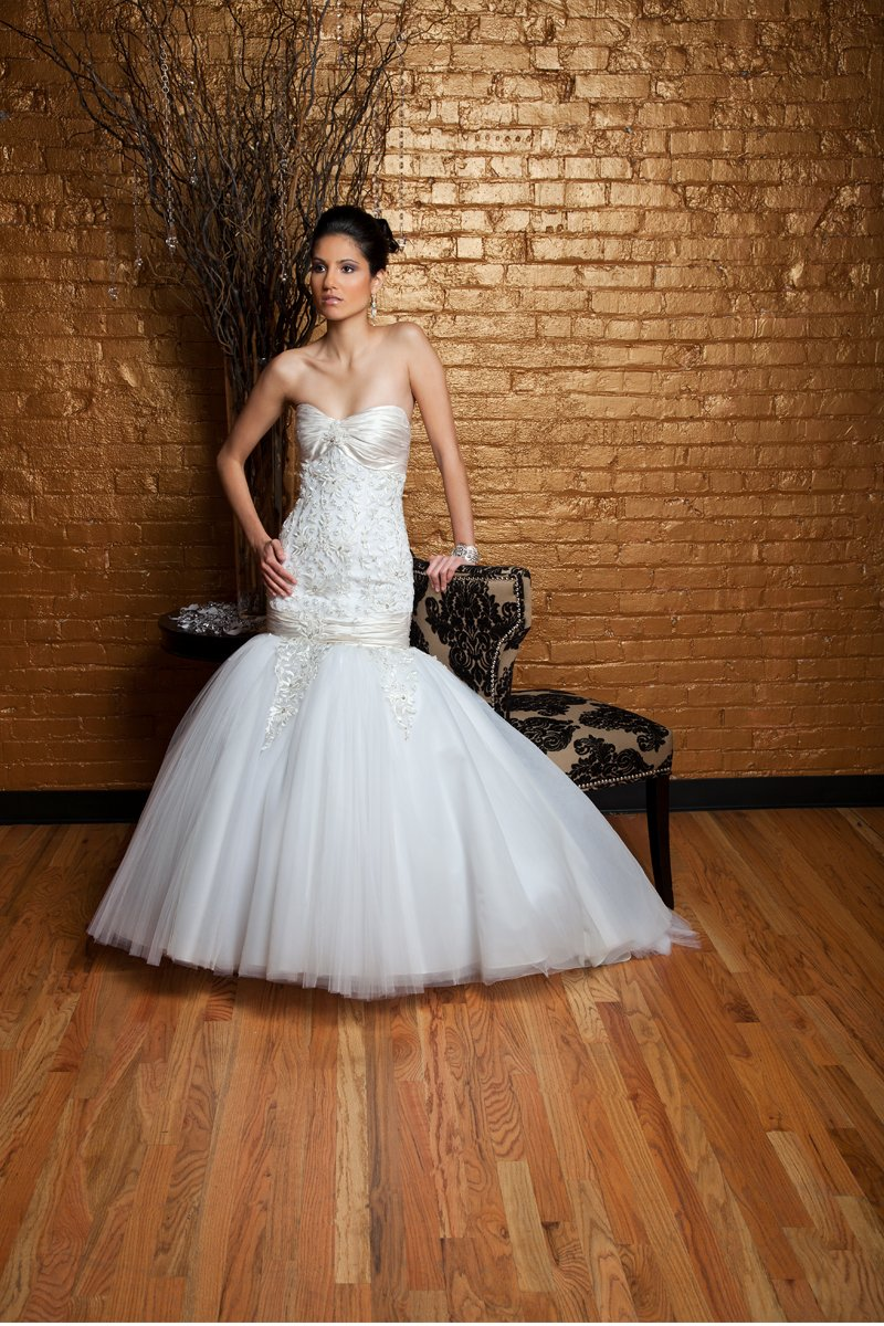 Fashion, white, ivory, Modern, Tulle, Romantic, Satin, Sweetheart, Beading, Silk, Strapless, Floor, Wedding Dresses, Sleeveless, Dropped, Ball gown, Fit-n-Flare, Mermaid/Trumpet, Angela Rivera, Strapless Wedding Dresses, Sweetheart Wedding Dresses, Floor Wedding Dresses, Beaded Wedding Dresses, satin wedding dresses, Silk Wedding Dresses, tulle wedding dresses, Modern Wedding Dresses, Romantic Wedding Dresses, Ball Gown Wedding Dresses, Mermaid Wedding Dresses, trumpet wedding dresses