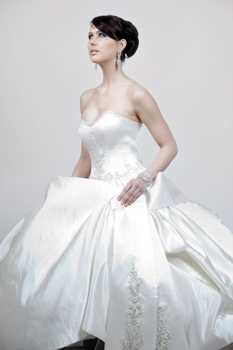 Sweetheart Wedding Dresses, Ball Gown Wedding Dresses, Fashion, white, ivory, Modern, Sweetheart, Strapless, Strapless Wedding Dresses, Beading, Satin, Floor, Formal, Wedding dress, Natural, Silk, Sleeveless, Ball gown, Angel Rivera, Modern Wedding Dresses, Beaded Wedding Dresses, satin wedding dresses, Formal Wedding Dresses, Silk Wedding Dresses, Floor Wedding Dresses