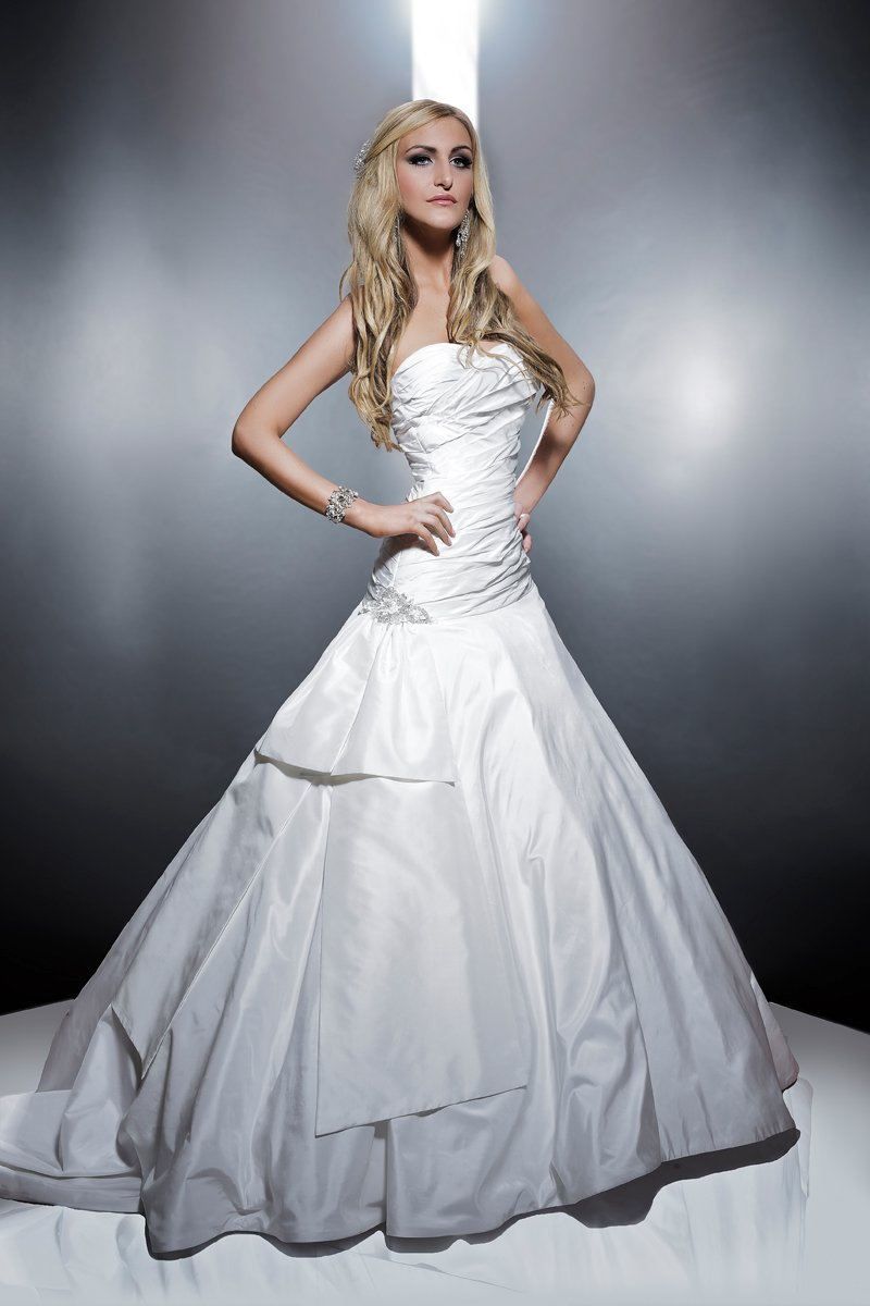 Sweetheart Wedding Dresses, Ball Gown Wedding Dresses, Fashion, white, ivory, Classic, Flowers, Sweetheart, Strapless, Strapless Wedding Dresses, Beading, Floor, Formal, Wedding dress, Silk, Dropped, Taffeta, Modest, Sleeveless, Ball gown, Angel Rivera, Beaded Wedding Dresses, taffeta wedding dresses, Classic Wedding Dresses, Flower Wedding Dresses, Formal Wedding Dresses, Silk Wedding Dresses, Floor Wedding Dresses, Modest Wedding Dresses