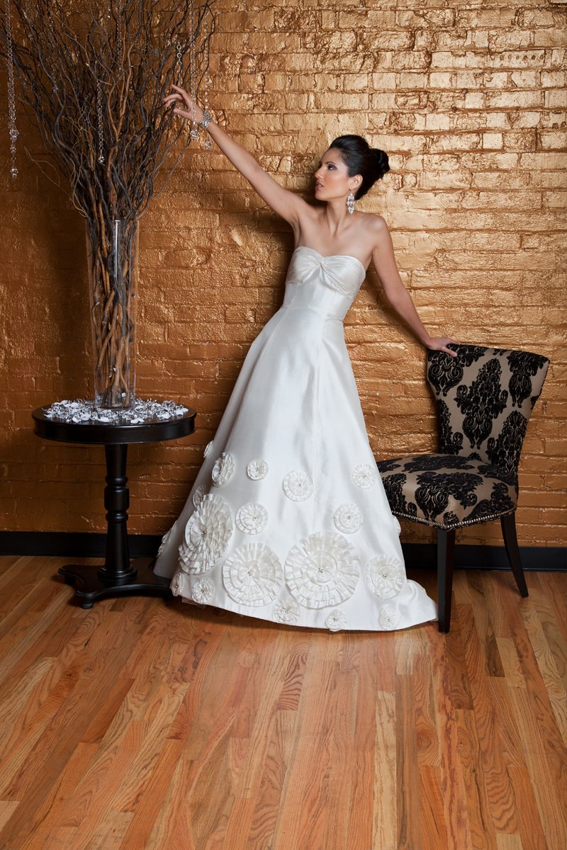 Sweetheart Wedding Dresses, A-line Wedding Dresses, Romantic Wedding Dresses, Fashion, white, ivory, Modern, Classic, Flowers, Romantic, Sweetheart, Strapless, Strapless Wedding Dresses, A-line, Beading, Floor, Formal, Wedding dress, Natural, Silk, Sleeveless, Shantung, Angel Rivera, Modern Wedding Dresses, Beaded Wedding Dresses, Classic Wedding Dresses, Flower Wedding Dresses, Formal Wedding Dresses, Silk Wedding Dresses, Floor Wedding Dresses, Shantung Wedding Dresses