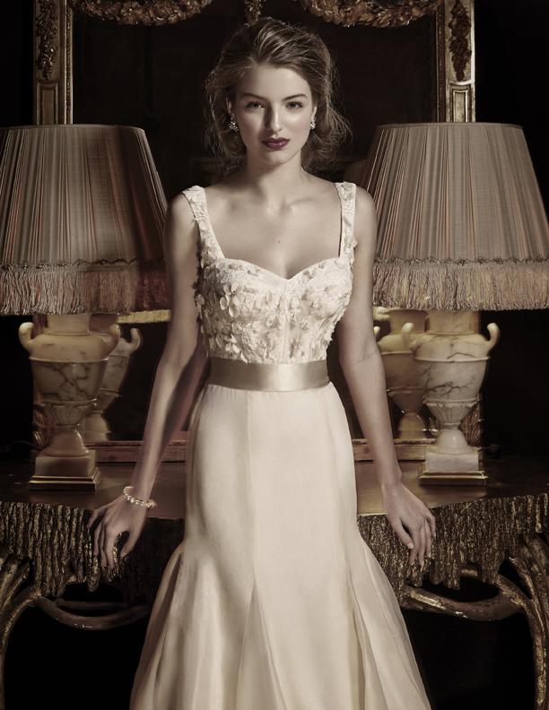 Wedding Dresses, Lace Wedding Dresses, Fashion, Lace, Anne barge, Beading, Corset, Organza, Beaded Wedding Dresses, organza wedding dresses