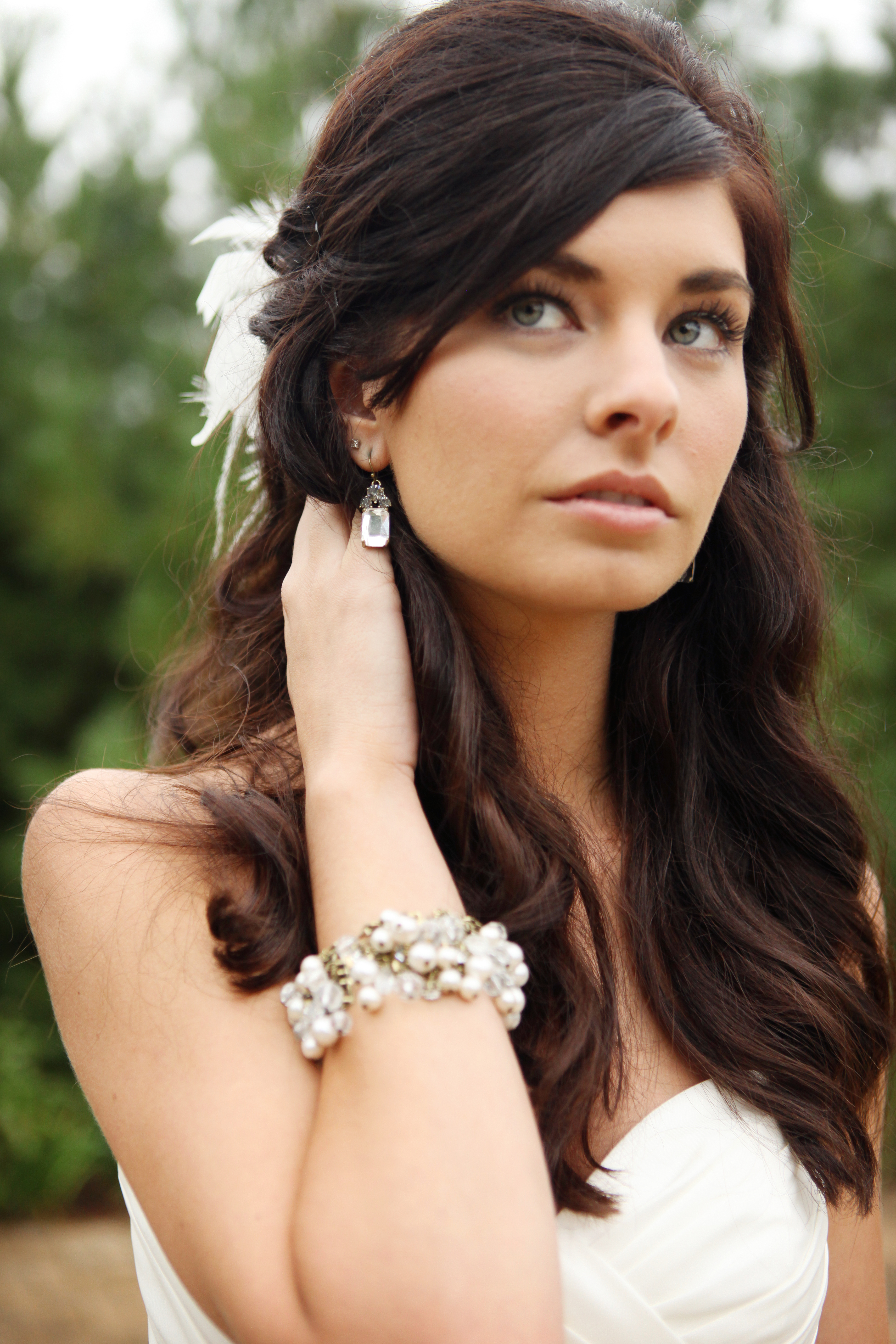 Beauty, Down, Half-up, Wavy Hair, Long Hair, Hairpin, Feathers