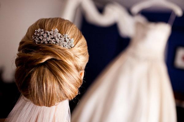 Beauty, Updo, Long Hair, Comb, Cignon