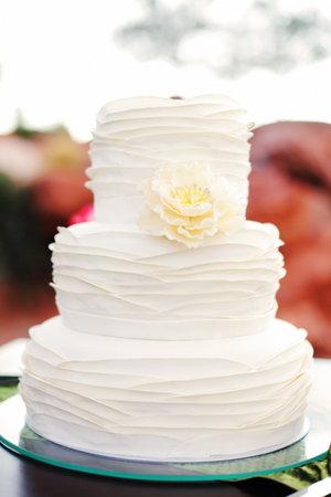 Cakes, Wedding Style, white, Floral Wedding Cakes, Round Wedding Cakes, Wedding Cakes, Classic Weddings