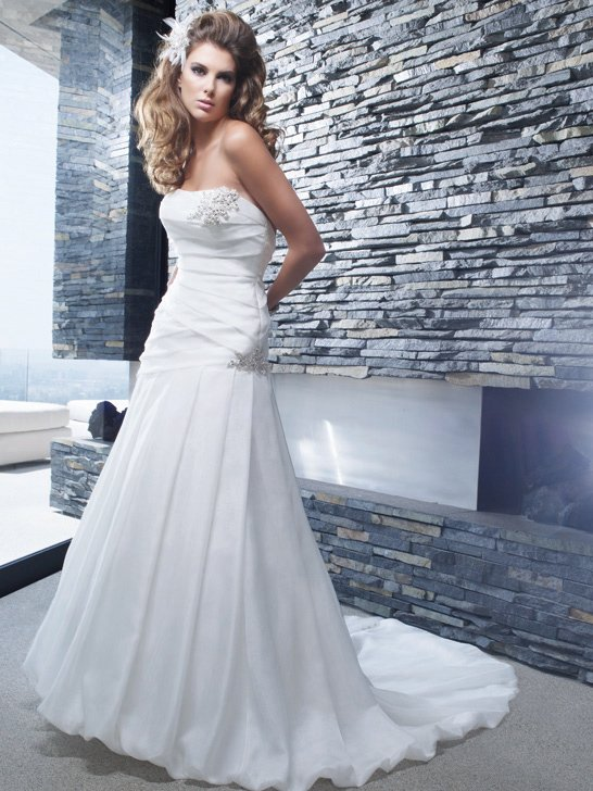 Wedding Dresses, Ball Gown Wedding Dresses, Fashion, ivory, Modern, Strapless, Strapless Wedding Dresses, Beading, Floor, Formal, Organza, Ballroom, Hip, Museum, Pleats, Ball gown, Cb couture, modern space, Modern Wedding Dresses, Beaded Wedding Dresses, organza wedding dresses, Formal Wedding Dresses, Floor Wedding Dresses, Hip Wedding Dresses