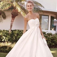 Wedding Dresses, Sweetheart Wedding Dresses, Ball Gown Wedding Dresses, Fashion, Sweetheart, Strapless, Strapless Wedding Dresses, Brooch, David's Bridal, Galina, Taffeta, Sleeveless, Full skirt, Ball gown, ruched bodice, brooch applique, taffeta wedding dresses