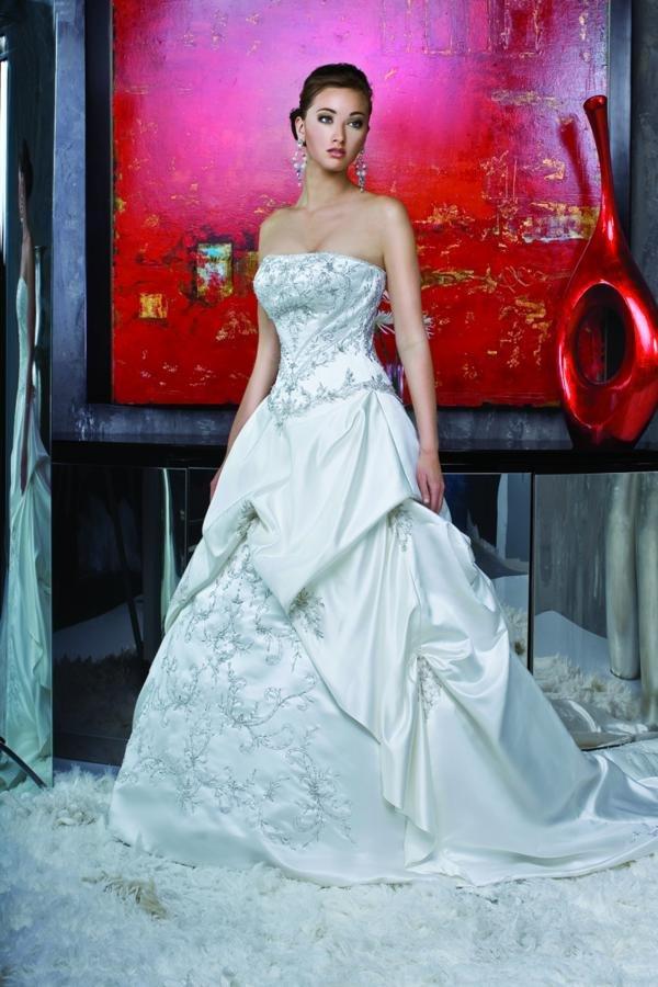 Wedding Dresses, A-line Wedding Dresses, Fashion, A-line, Beading, Basque, Davinci bridal, Beaded Wedding Dresses