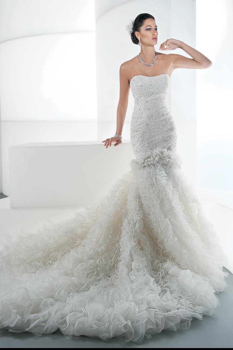 Wedding Dresses, Lace Wedding Dresses, Fashion, Flowers, Lace, Tulle, Demetrios, Beaded, 2 piece, flare gown, removable skirt, mini gown, tulle wedding dresses, Flower Wedding Dresses