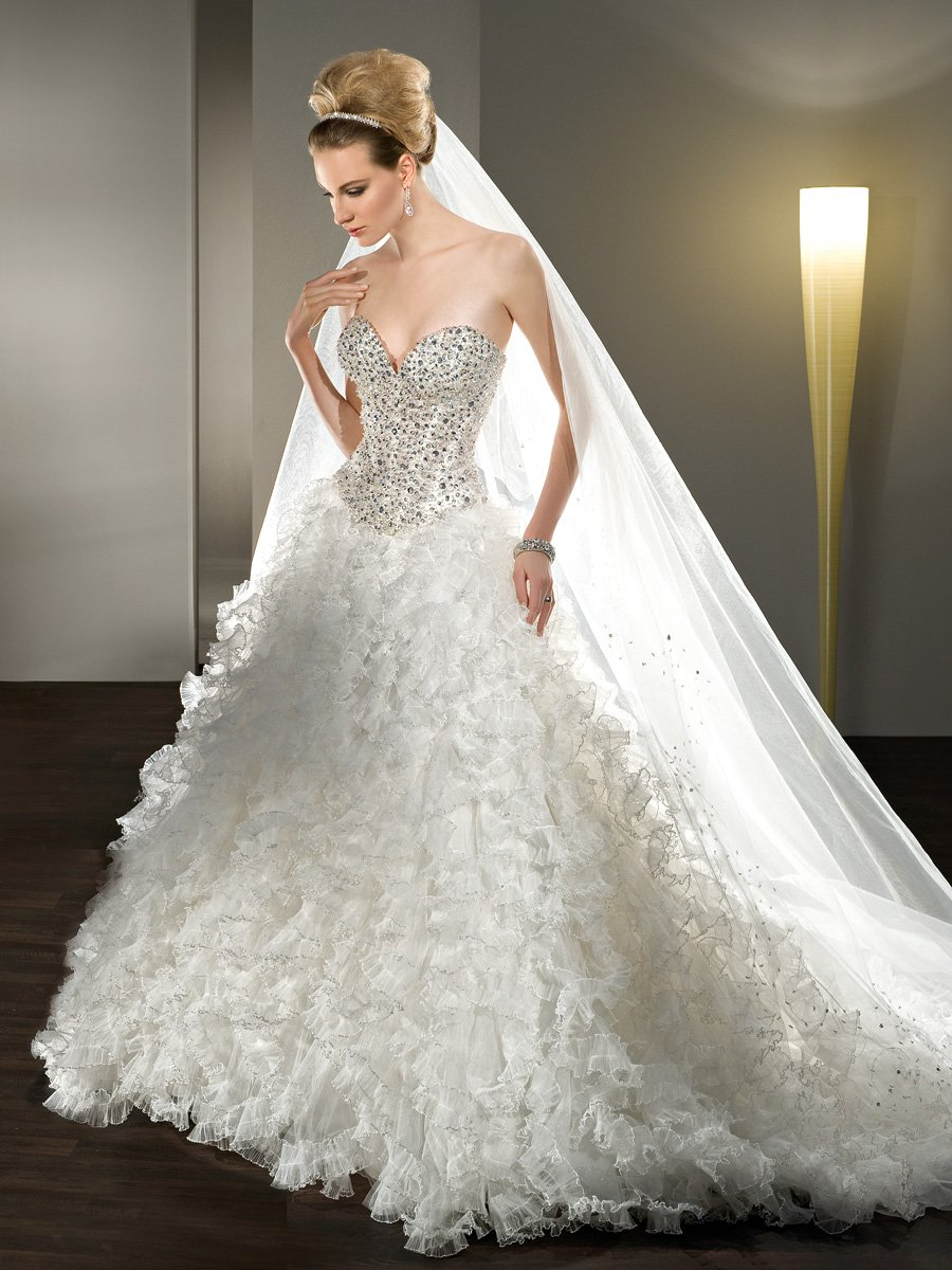 Wedding Dresses, Sweetheart Wedding Dresses, Lace Wedding Dresses, Fashion, Lace, Sweetheart, Strapless, Strapless Wedding Dresses, Tulle, Demetrios, Jeweled, Pleated, Ruffled, Full skirt, lace-up back, tulle wedding dresses