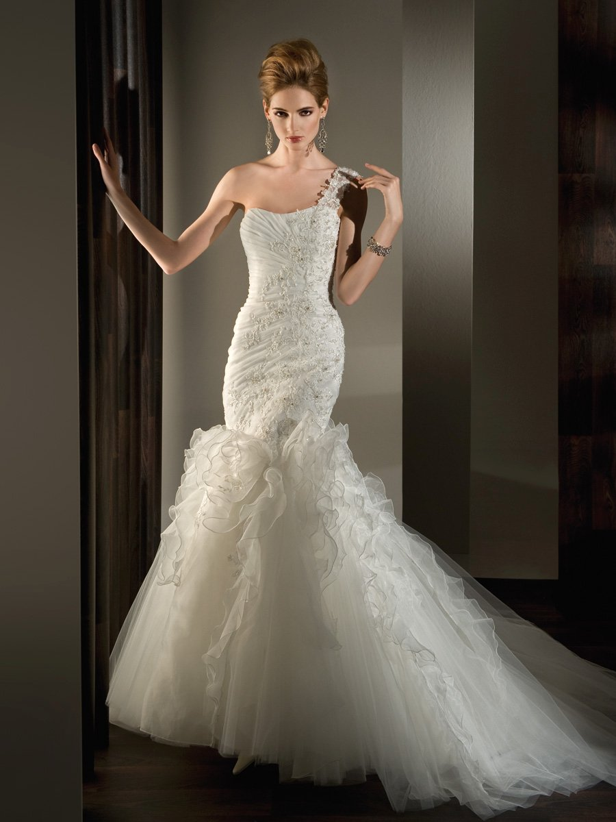 Wedding Dresses, One-Shoulder Wedding Dresses, Ruffled Wedding Dresses, Lace Wedding Dresses, Fashion, Lace, Ribbon, Tulle, Demetrios, Organza, Ruffles, Beaded, Bodice, Ruching, Ruffled, One-shoulder, lace back, organza wedding dresses, tulle wedding dresses