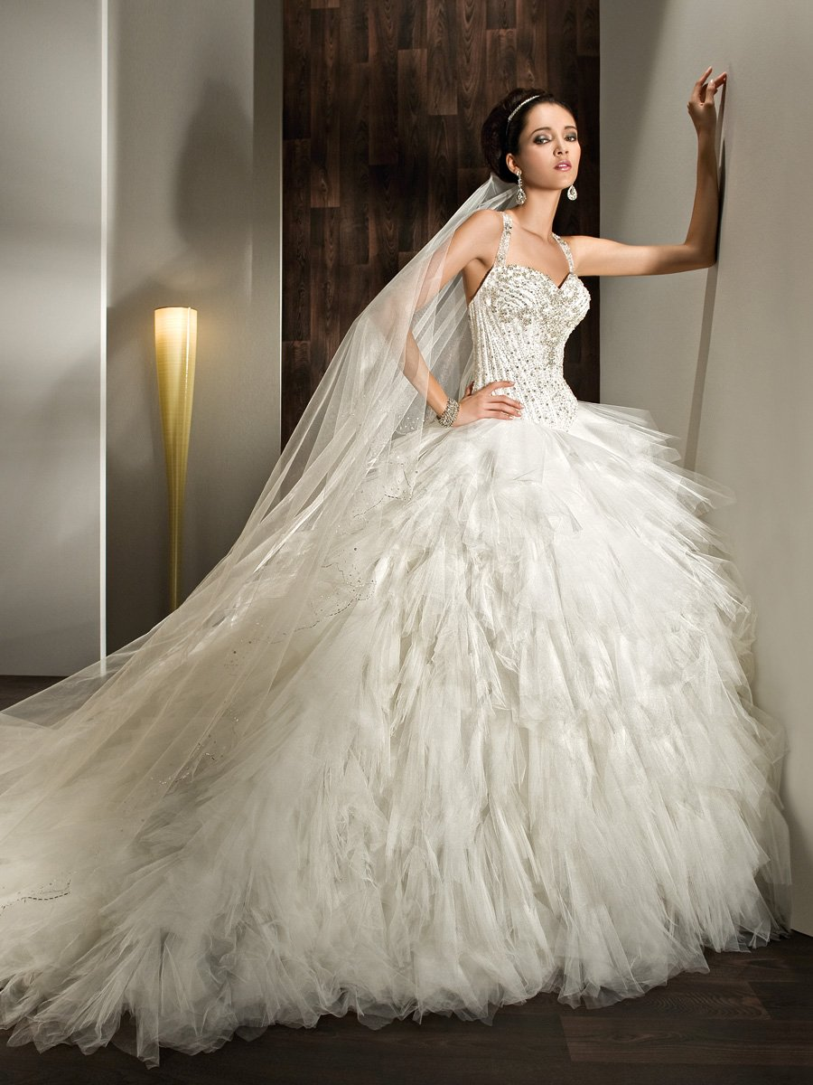 Wedding Dresses, Sweetheart Wedding Dresses, Ball Gown Wedding Dresses, Ruffled Wedding Dresses, Fashion, Sweetheart, Halter, Tulle, Demetrios, Ruffles, Beaded, Ball gown, lace ack, multi-ruffled, halter wedding dresses, tulle wedding dresses