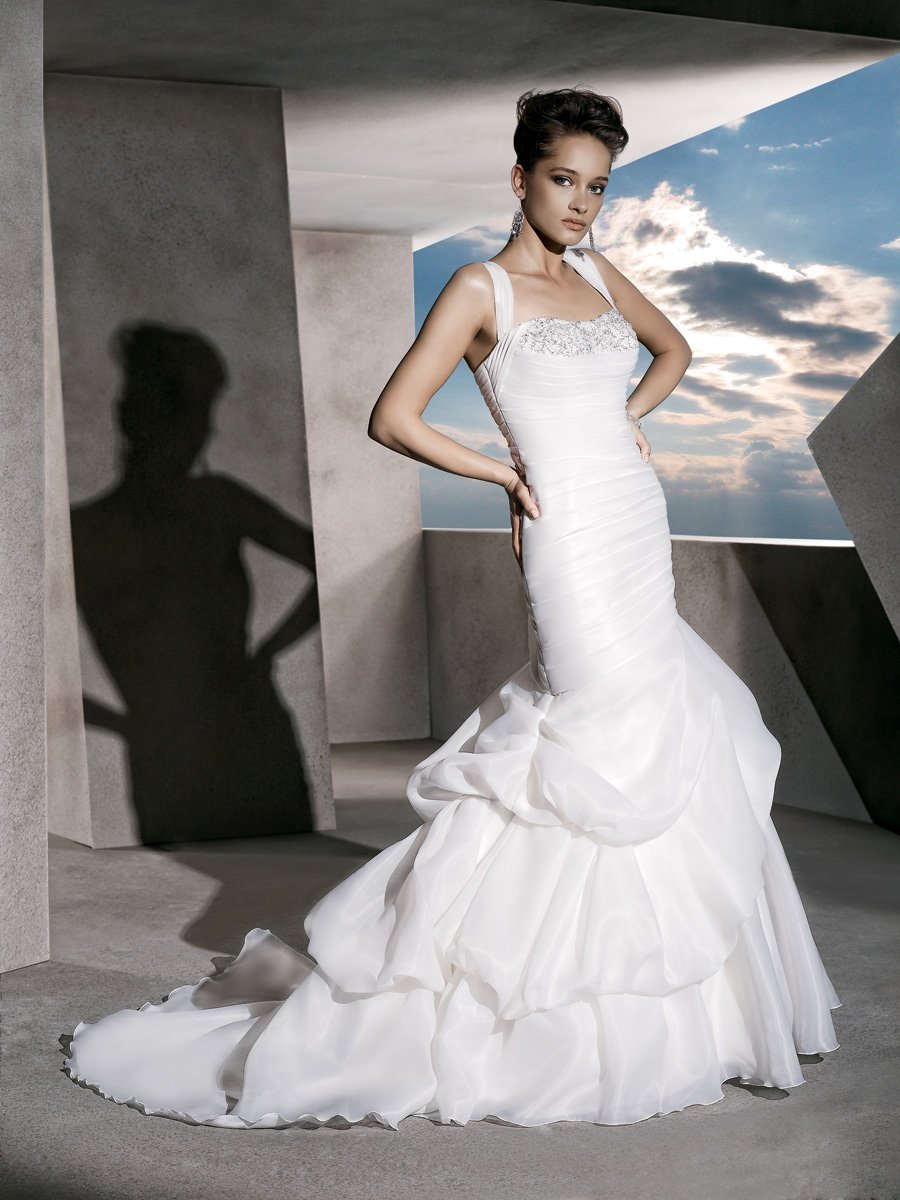 Wedding Dresses, Sweetheart Wedding Dresses, Fashion, Sweetheart, Satin, Demetrios, Organza, Beaded, Bustled skirt, pleated straps, laced back, organza wedding dresses, satin wedding dresses