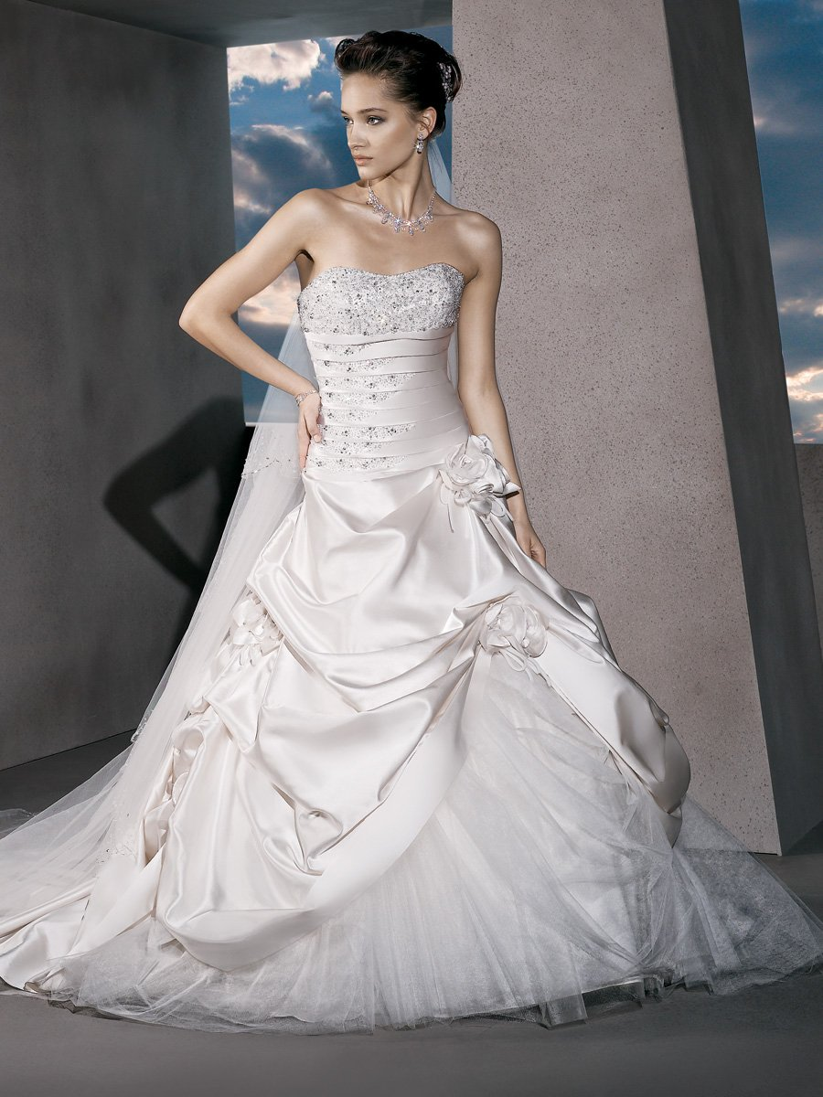 Wedding Dresses, Sweetheart Wedding Dresses, A-line Wedding Dresses, Fashion, Flowers, Sweetheart, Strapless, Strapless Wedding Dresses, A-line, Tulle, Satin, Demetrios, Jeweled, Pleated, drop waist, Bustled skirt, a-line skirt, laced back, tulle insert, tulle wedding dresses, satin wedding dresses, Flower Wedding Dresses
