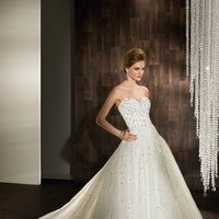 Wedding Dresses, Sweetheart Wedding Dresses, A-line Wedding Dresses, Fashion, Sweetheart, Strapless, Strapless Wedding Dresses, A-line, Tulle, Demetrios, Jeweled, Beaded, Embellished, Beaded belt, a-line skirt, tulle wedding dresses
