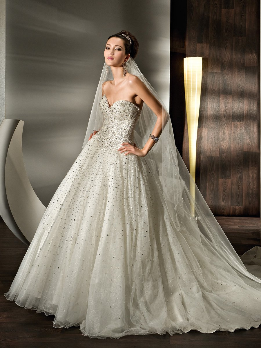 Wedding Dresses, Sweetheart Wedding Dresses, A-line Wedding Dresses, Fashion, Sweetheart, Strapless, Strapless Wedding Dresses, A-line, Tulle, Demetrios, Sparkling, basque waist, Attached Train, a-line skirt, laced back, full skit, tulle wedding dresses
