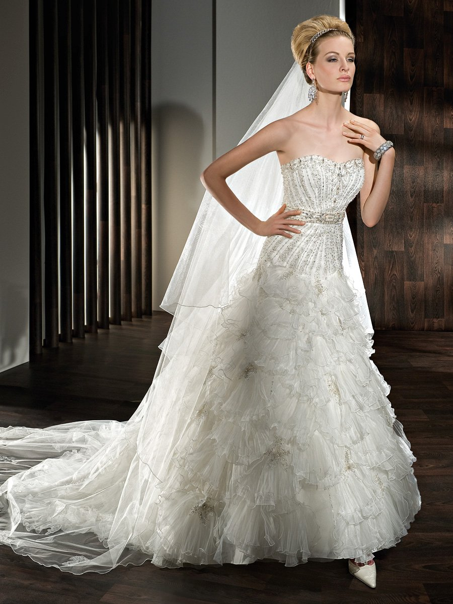 Wedding Dresses, Sweetheart Wedding Dresses, Fashion, Sweetheart, Strapless, Strapless Wedding Dresses, Demetrios, Organza, Beaded, Pleated, Ruffled, multi tiered, laced back, organza wedding dresses