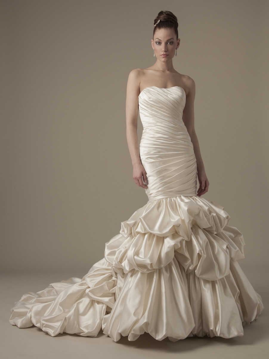 Wedding Dresses, Ruffled Wedding Dresses, Hollywood Glam Wedding Dresses, Fashion, Mermaid, Strapless, Strapless Wedding Dresses, Trumpet, Floor, Formal, Silk, Ruffles, Dropped, Dennis basso, Avant-Garde, hollywood glam, dennis basso for kleinfeld, Formal Wedding Dresses, Silk Wedding Dresses, Floor Wedding Dresses