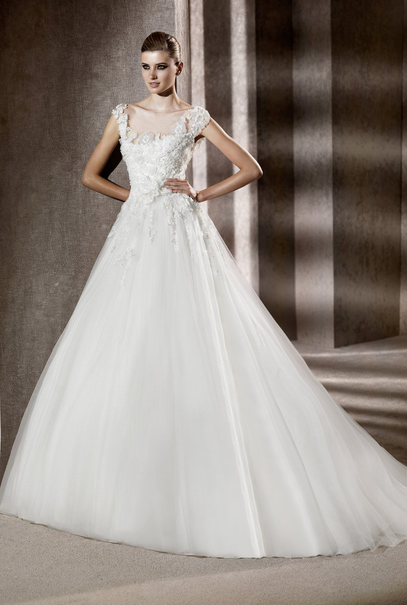 Ball gown, cap sleeve, Elie Saab Couture, Empire, Floor, Flowers, Formal, Illusion, ivory, Lace, Scoop, Shabby Chic, Tulle, white, Wedding Dresses, Fashion, Elie saab, elie saab for pronovias, Illusion Neckline Wedding Dresses, Scoop Neckline Wedding Dresses, Floor Wedding Dresses, Flower Wedding Dresses, Lace Wedding Dresses, tulle wedding dresses, Formal Wedding Dresses, Shabby Chic Wedding Dresses, Ball Gown Wedding Dresses