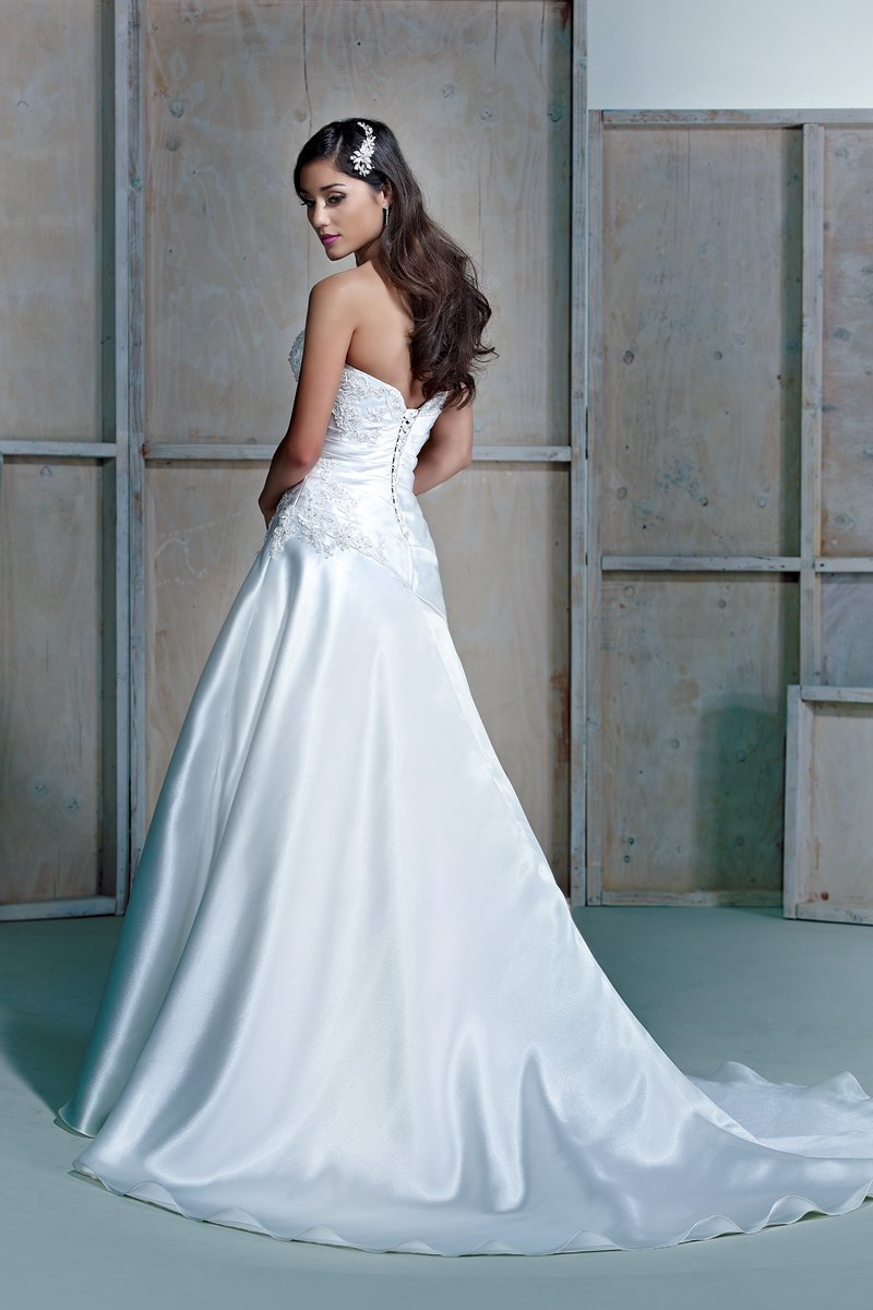 Wedding Dresses, A-line Wedding Dresses, Romantic Wedding Dresses, Fashion, white, ivory, Spring, Summer, Fall, Modern, Classic, Romantic, Strapless, Strapless Wedding Dresses, A-line, Floor, Formal, Natural, Sleeveless, Ella Rosa, Modern Wedding Dresses, Spring Wedding Dresses, Classic Wedding Dresses, Fall Wedding Dresses, Formal Wedding Dresses, Summer Wedding Dresses, Floor Wedding Dresses