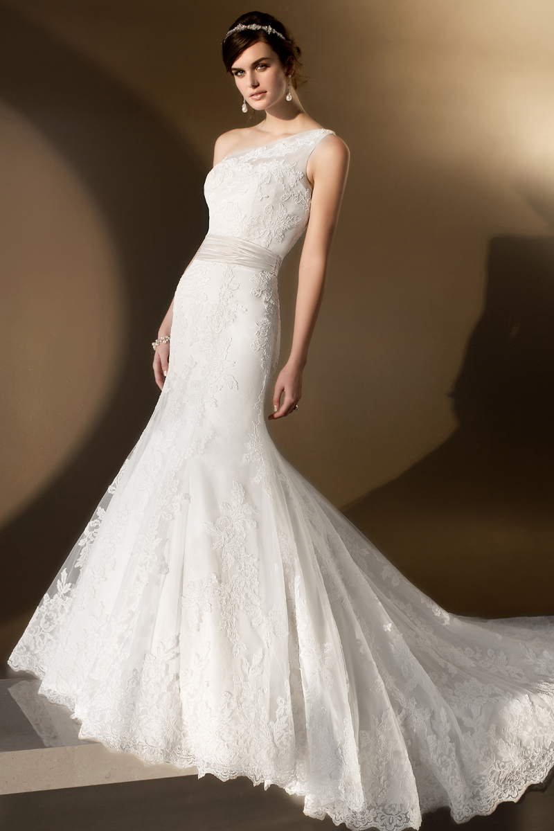 Wedding Dresses, One-Shoulder Wedding Dresses, Lace Wedding Dresses, Fashion, Lace, Fit and flare, Tulle, Essense of australia, Satin sash, One-shoulder, tulle wedding dresses