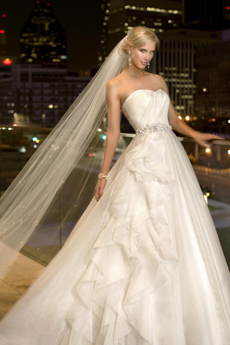 Wedding Dresses, Fashion, Organza, Pleats, Essense of australia, Ruching, crystal beading, layered skirt, floral waist belt, organza wedding dresses