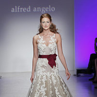 Wedding Dresses, Lace Wedding Dresses, Romantic Wedding Dresses, Fashion, Spring Weddings, Garden Weddings, V-neck Wedding Dresses, Alfred angelo