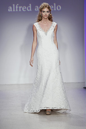 Wedding Dresses, Lace Wedding Dresses, Vintage Wedding Dresses, Fashion, V-neck Wedding Dresses, Alfred angelo
