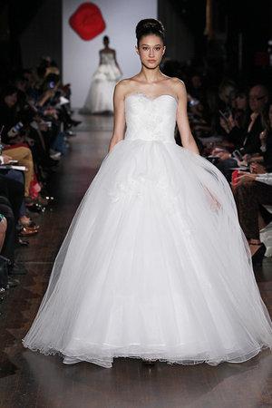Wedding Dresses, Sweetheart Wedding Dresses, Ball Gown Wedding Dresses, Romantic Wedding Dresses, Traditional Wedding Dresses, Fashion, Classic Weddings, Austin scarlett
