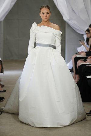 Wedding Dresses, One-Shoulder Wedding Dresses, Ball Gown Wedding Dresses, Romantic Wedding Dresses, Fashion, Carolina herrera, Wedding Dresses with Sleeves