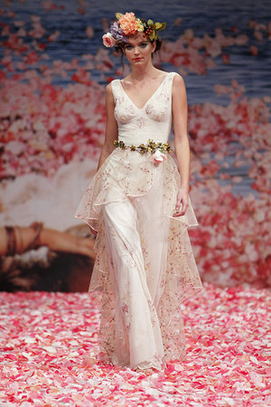 Wedding Dresses, Ruffled Wedding Dresses, Fashion, V-neck Wedding Dresses