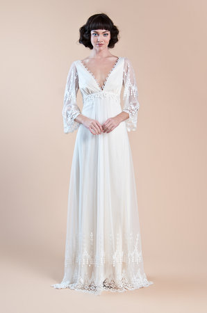 Wedding Dresses, Lace Wedding Dresses, Romantic Wedding Dresses, Vintage Wedding Dresses, Fashion, Spring Weddings, Boho Chic Weddings, Garden Weddings, Vintage Weddings, V-neck Wedding Dresses, Claire pettibone, Wedding Dresses with Sleeves