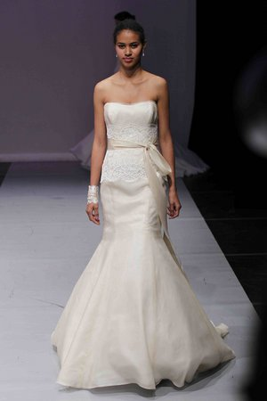 Wedding Dresses, Mermaid Wedding Dresses, Lace Wedding Dresses, Romantic Wedding Dresses, Fashion, gold, Classic Weddings, Strapless Wedding Dresses, Rivini