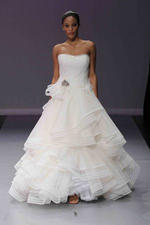 Wedding Dresses, Sweetheart Wedding Dresses, Ball Gown Wedding Dresses, Ruffled Wedding Dresses, Romantic Wedding Dresses, Fashion, Classic Weddings, Modern Weddings, Rivini