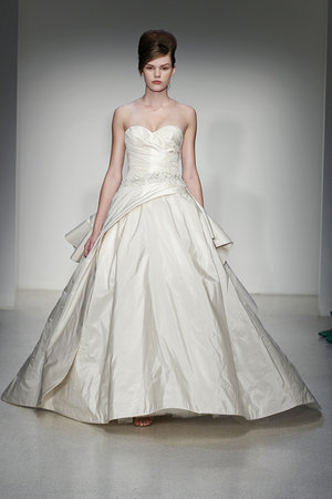 Wedding Dresses, Sweetheart Wedding Dresses, Ball Gown Wedding Dresses, Traditional Wedding Dresses, Fashion, Classic Weddings, Kenneth pool