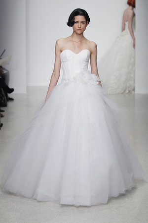 Wedding Dresses, Sweetheart Wedding Dresses, Ball Gown Wedding Dresses, Romantic Wedding Dresses, Traditional Wedding Dresses, Fashion, Classic Weddings, Kenneth pool