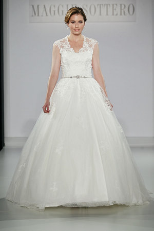 Wedding Dresses, Ball Gown Wedding Dresses, Lace Wedding Dresses, Romantic Wedding Dresses, Fashion, Spring Weddings, Garden Weddings, V-neck Wedding Dresses, Maggie Sottero