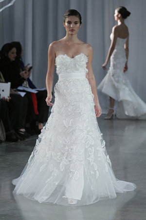 Wedding Dresses, Sweetheart Wedding Dresses, Romantic Wedding Dresses, Fashion, Spring Weddings, Garden Weddings, Monique lhuillier