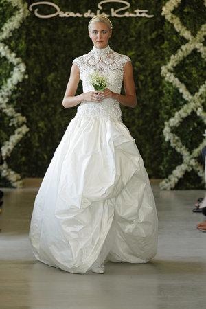 Wedding Dresses, Illusion Neckline Wedding Dresses, Ball Gown Wedding Dresses, Lace Wedding Dresses, Traditional Wedding Dresses, Fashion, Classic Weddings, Vintage Weddings, Oscar de la renta